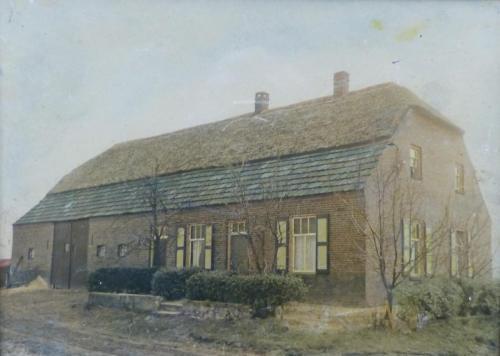 Boerderij Fam Jacobs 1957. De boerderij werd gebouwd in 1925 nadat de vorige boerderij was afgebrand door de stormramp in 1925